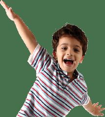 Criança praticando teatro
