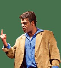 Homem adulto profissional praticando teatro